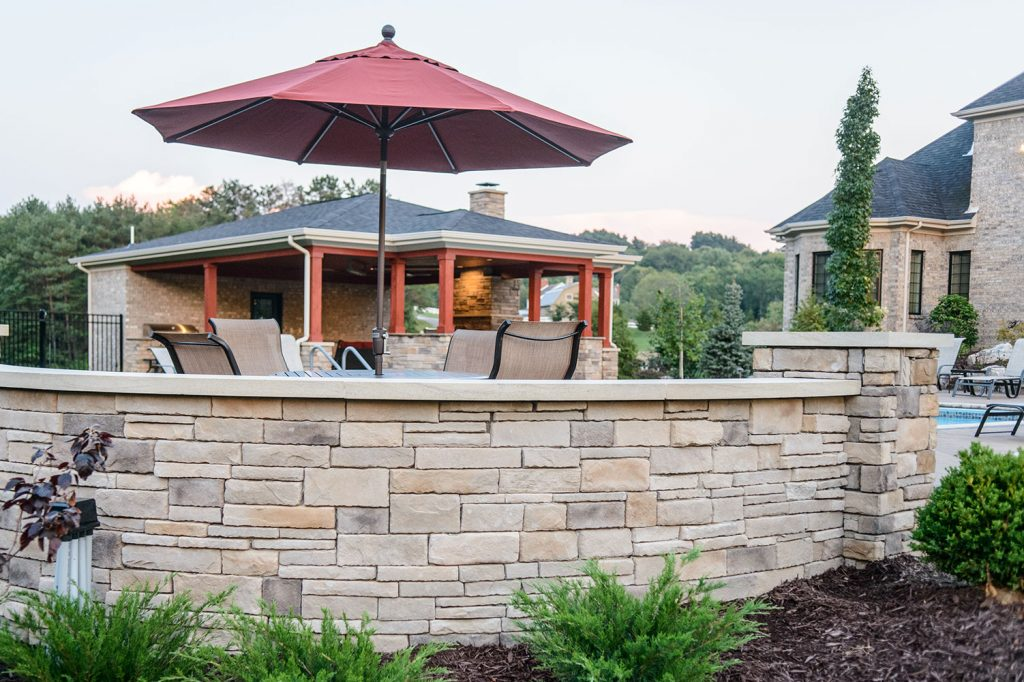 Stone Wall & outdoor Dining
