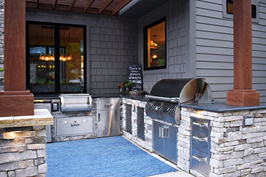 Outdoor Kitchens, Bars, and BBQ Grills